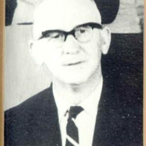 E.S.Pexton